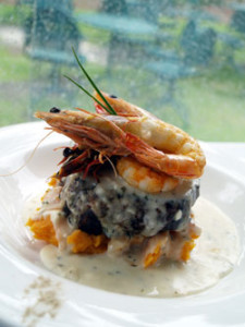 beef-fillet-with-prawns